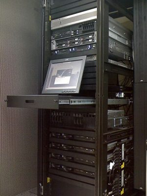tu rack cho data center